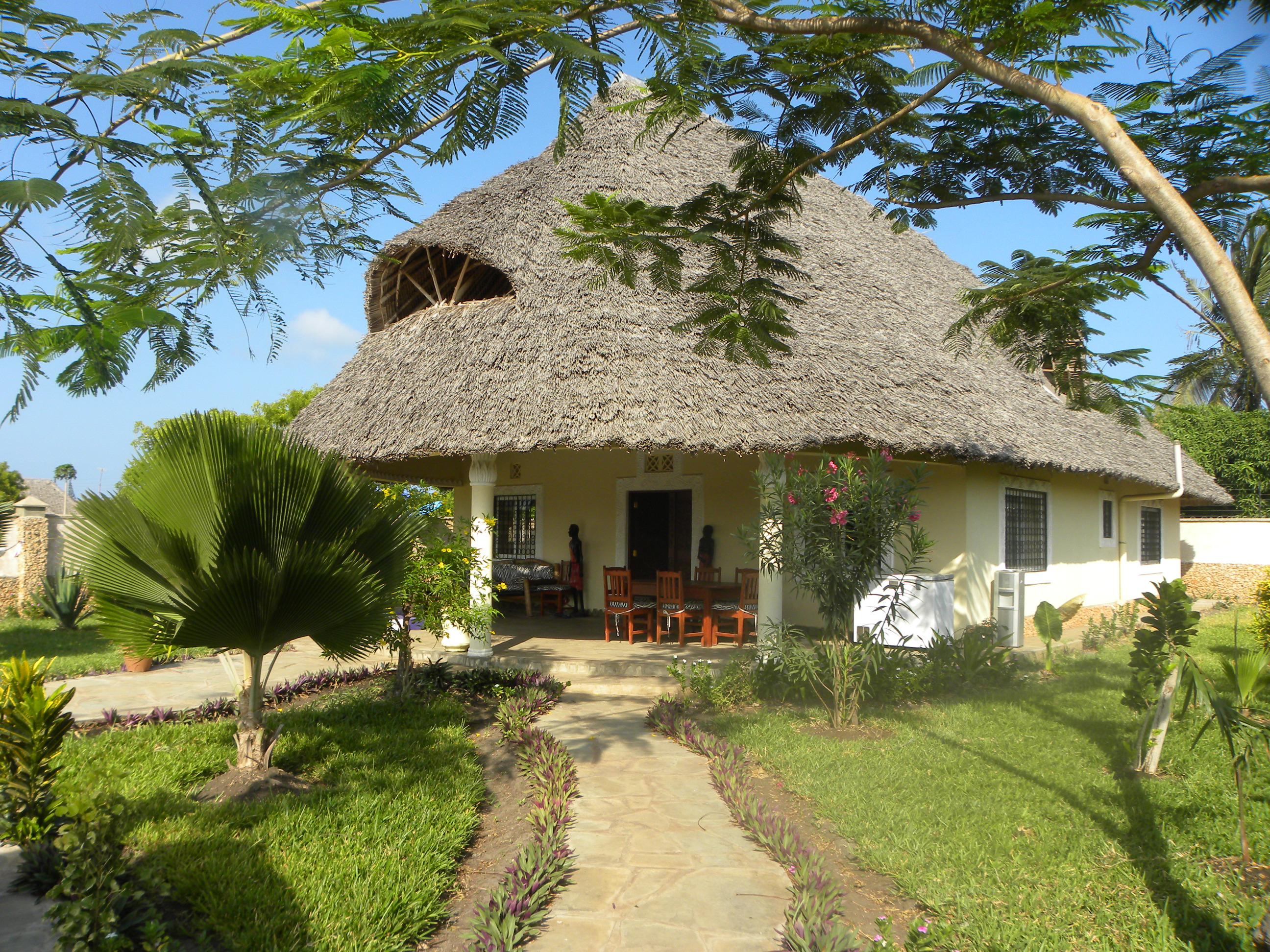 Beautiful Diani Beach Cottage for Sale