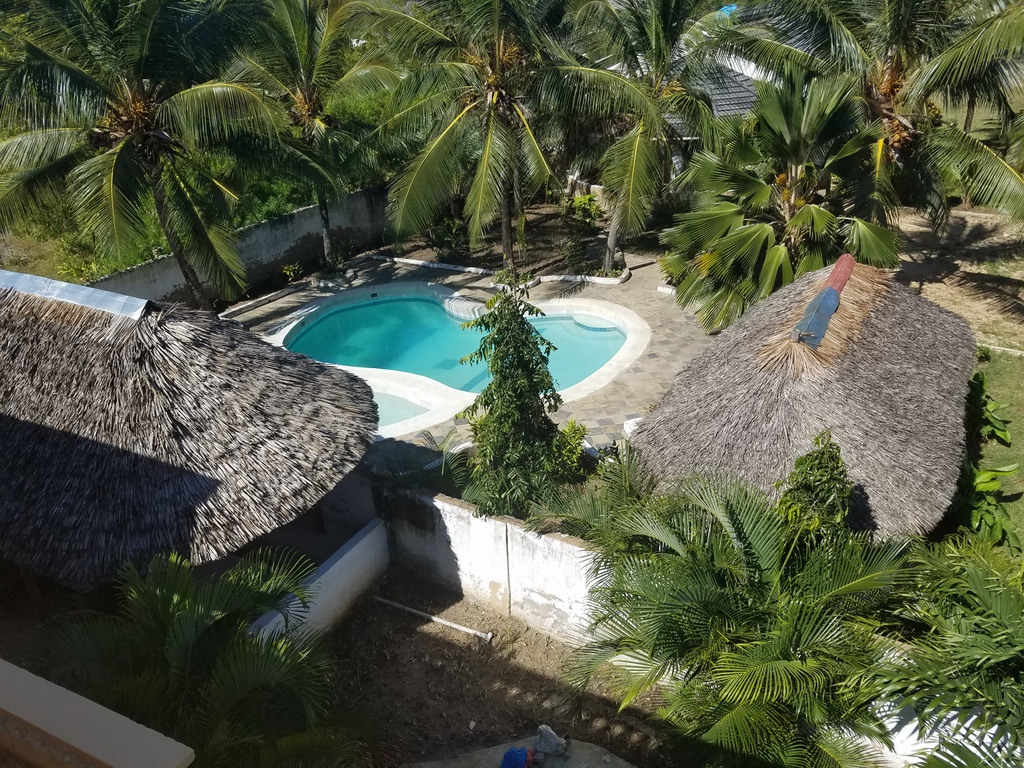 Holidays Cottage to let in Diani with Pool
